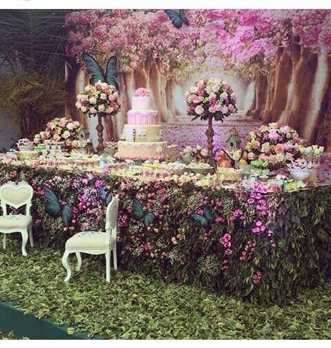 7be2ab08034917d34d79c81841191c5e | Jardim das borboletas luxo