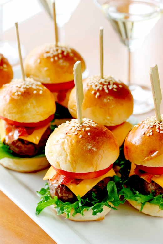 Finger-food-burger-palito | Lanche mini hamburgue